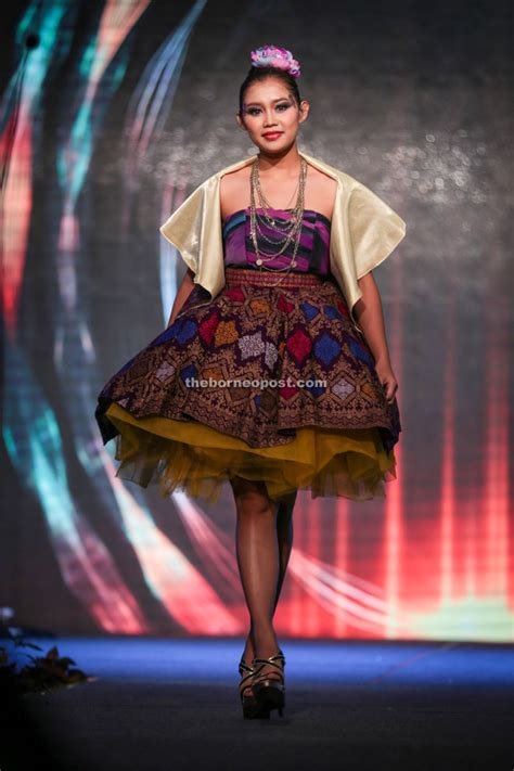 design dress pua kumbu christopher wins twice in sarawak fashion awards youth