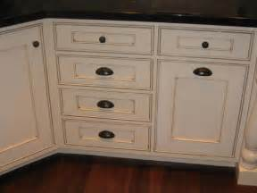 Kitchen Cabinets Hardware Enhance The Aesthetic With The Right Hardware For Kitchen