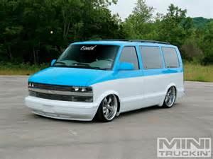 Astro Chevrolet 2000 Chevy Astro Chevy Mini Mini Truckin Magazine