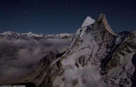 film dokumenter everest film dokumenter everest trekkinghistory menaklukkan puncak