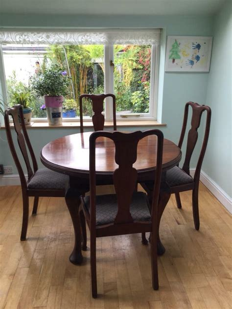 victorian expanding dining room table   chairs