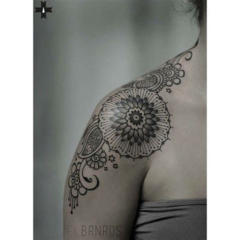 tattoo on front of shoulder front shoulder tattoo best tattoo ideas gallery