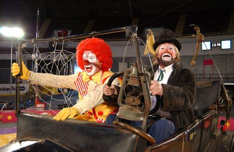 Bros Gardenis garden bros circus