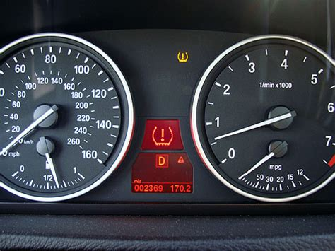 run flat warning light bmw low tire pressure 2008 bmw x5 3 0si