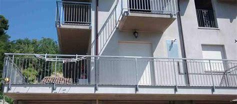 ringhiera terrazzo copertura ombreggiante per terrazzo