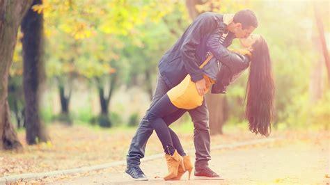 couple wallpaper santabanta com romantic images hd on wallpaperget com