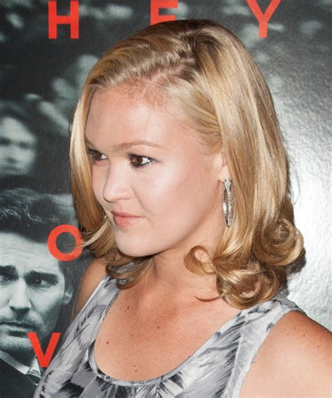 julia styles transgender julia stiles is she transgender new style for 2016 2017