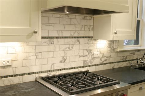 traditional vintage kitchen design backsplash detail