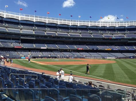 section 104 yankee stadium field level outfield yankee stadium baseball seating
