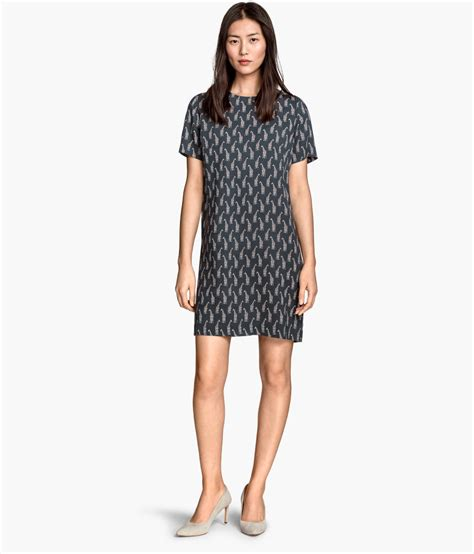 H Dres h m dress with giraffe print dresscodes