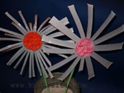 bloem van plastic bekertje moederdag bekerbloem knutseltip