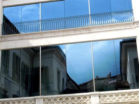 Sichtschutz Fenster Anbringen by Fensterfolien Anbringen Lassen Vom Fachbetrieb Protecfolien