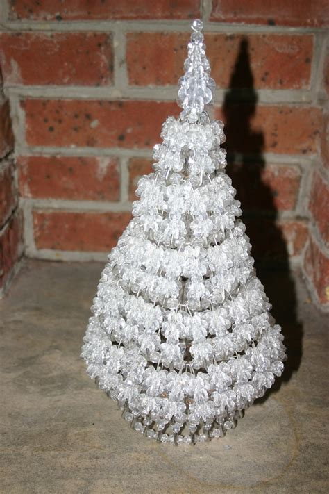 instructions for vintage safety pin christmas trees 82 best safety pins images on safety pins beaded jewelry and jewelry ideas