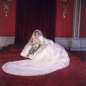 Diana Dresses Elizabeth Emanuel Who Designed Princess Diana S Wedding