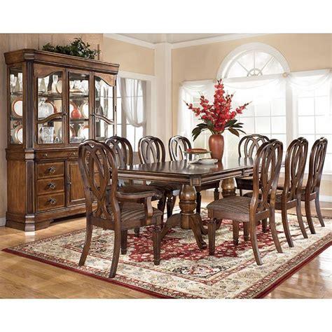 Hamlyn dining room