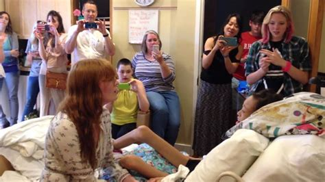 hospice austin christopher house watch florence the machine sing with teenage hospice patient make us all cry