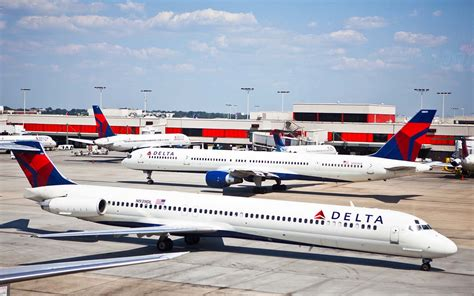 Delta Airlines Giveaway - delta airlines cancels hundreds more atlanta flights amid snow travel leisure