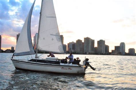 weekend boat rental nyc new york boat and yacht rentals sailo