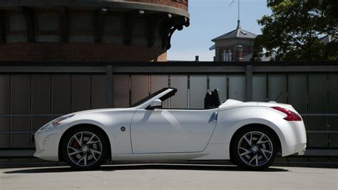nissan convertible white nissan 370z roadster vs coupe black vs white youtube