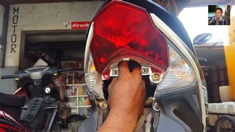 Lu Belakang Stop Vario 125 cara mengganti lu sein kota rem belakang motor vario