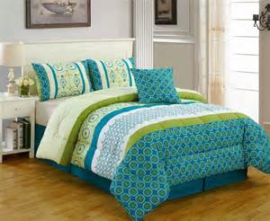 Turquoise Bedspread A Guide To Turquoise Bedding The Home Bedding Guide