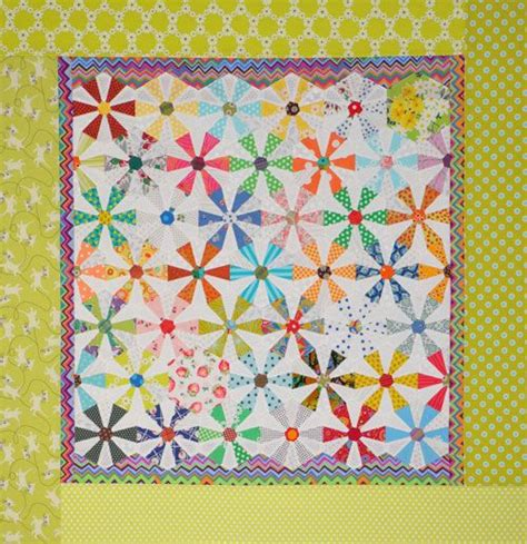 pattern of english paper spinning wheels an english paper pieced quilt by piece o