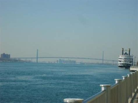 mi bridges help desk ambassador bridge connecting detroit michigan to