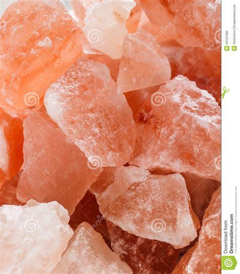 himalayan salt crystal l himalayan pink salt stock photography image 34101582