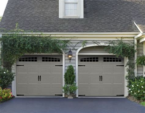 Garage Door Sears by 25 Best Ideas About Carriage House Garage Doors On