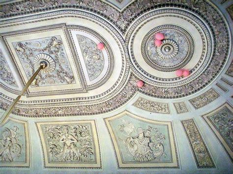 stucchi per soffitti stucchi o decorazioni plastiche tecniche decorare la