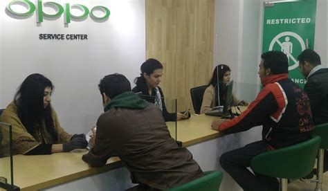 Headset Oppo Di Service Center oppo launches service center experience zone in lahore