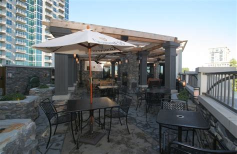 top bars atlanta 16 rooftop bars in atlanta that are just peachy