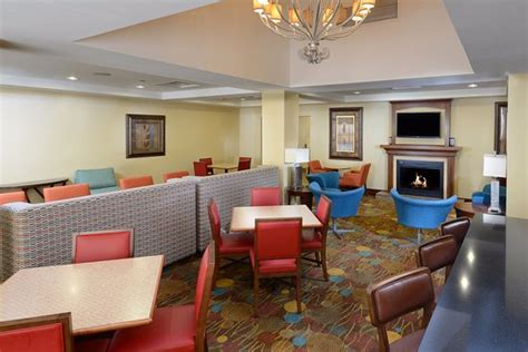 holiday inn express suites greensboro airport nc holiday inn express suites greensboro airport