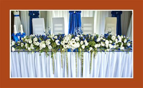 Tischdeko Hochzeit Gold Weiß by Blumendeko Blau Wei 223 Konfirmation Haus Design Und M 246 Bel