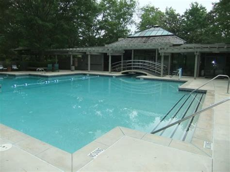 Cottages With Outdoor Pools by Cottage Outdoor Pool Area Picture Of Callaway Gardens