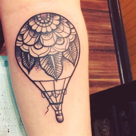 hot air balloon tattoo best 25 air balloon ideas on balloon