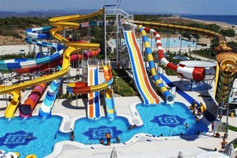 top 10 family waterpark holidays loveholidays.com