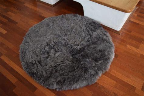 lammfell teppich reinigen lammfell teppich great exklusiver island lammfell teppich
