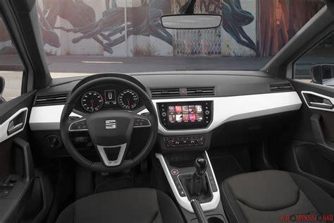 interni seat nuova seat arona prova su strada in anteprima