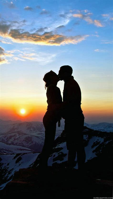 couple wallpaper hd for iphone lover couple sunset snowy mountain top outlines iphone 6