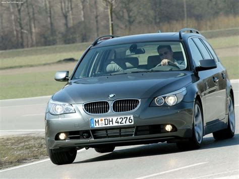 bmw  touring picture    front angle