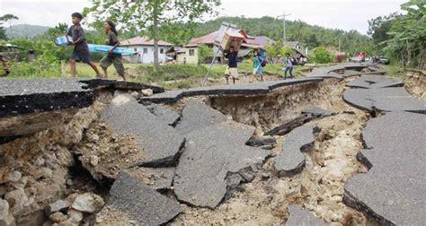 Gempa Bumi puisi gempa bumi pendoa sion s