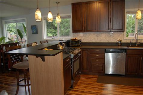 small shaped kitchen with breakfast bar ideas island