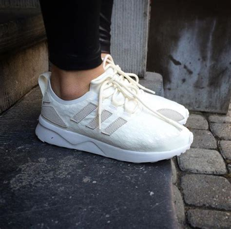 shoes chaussures sneakers fashion mode blanc blanc cass 233 baskets sneakers addict adidas