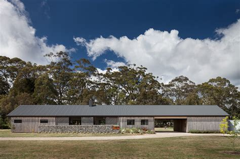 Barn Style Shed Trentham Long House Has Old World Charm In A Modern Package