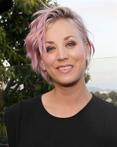 How Does Kaley Cucco Style Her Hair | 10 times kaley cuoco gave us short hair envy and how to