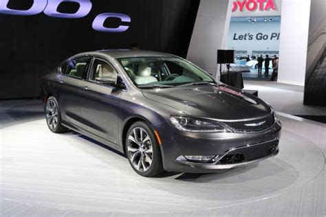 Chrysler Sebring 2014 by 2014 Naias Chrysler Makes Us Forget The Sebring With The