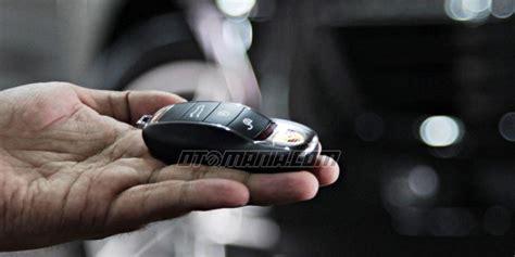 Baterai Remote Mobil Yaris cara praktis ganti baterai remote mobil berita otomotif