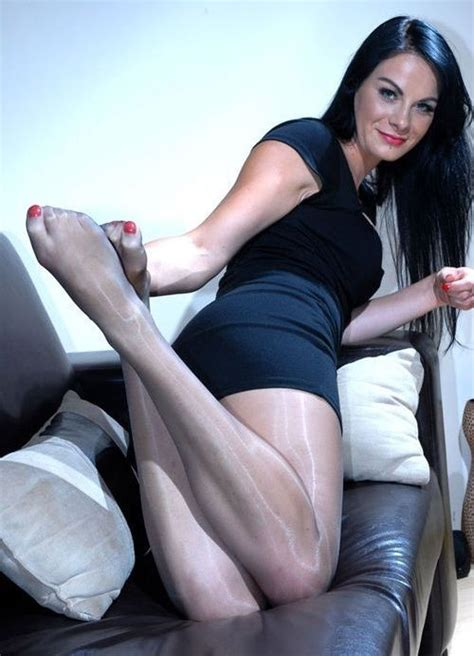 beautiful asian with legs in seamed legs nylons pics