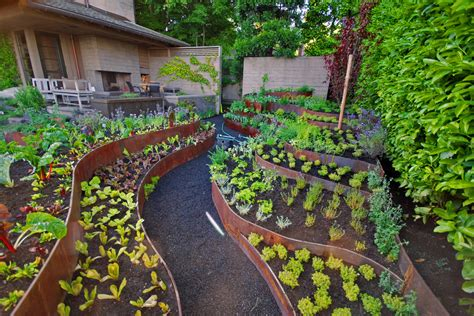 vegetable garden landscaping ideas bee home plan home